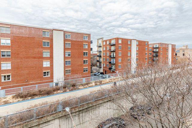 2300 W Bloomingdale Avenue D