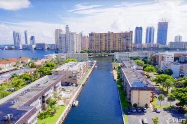 Eden Isles Condominiums