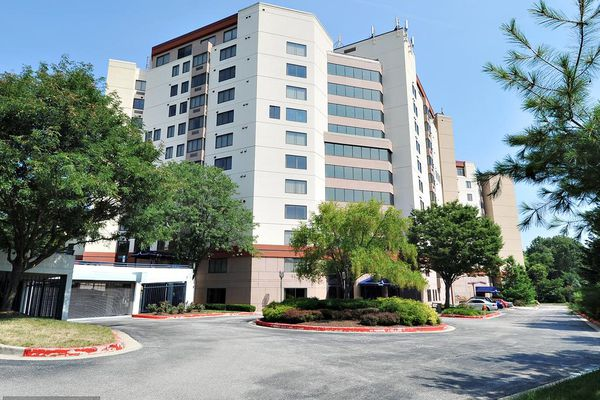 Watermark Place Condominiums