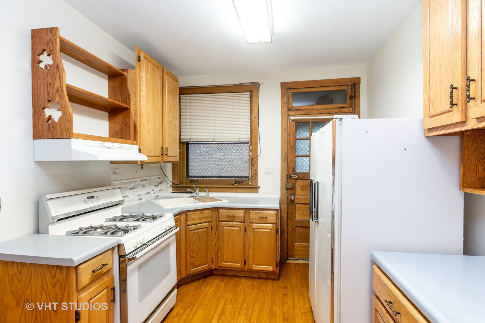 5449 S East View Park Street 1