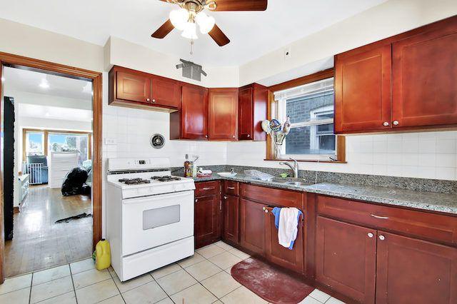 6012 S Kolin Avenue