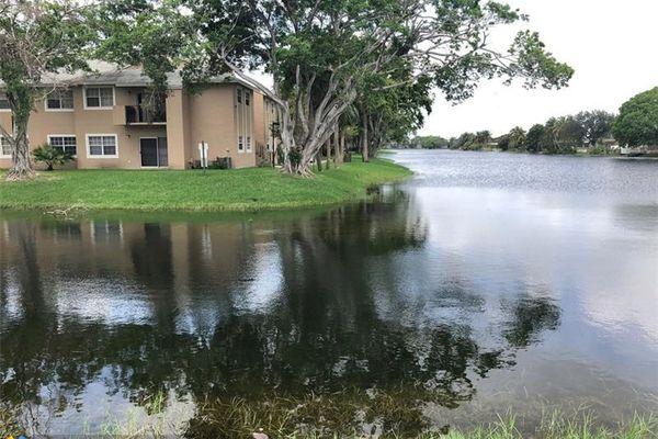 Reflections At Pembroke Pines Condominiums