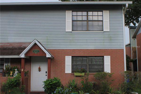 Oak Knoll Condominiums