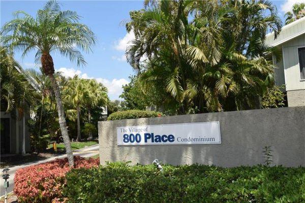 800 Place Condominiums