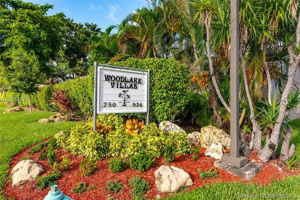 Woodlake Villas