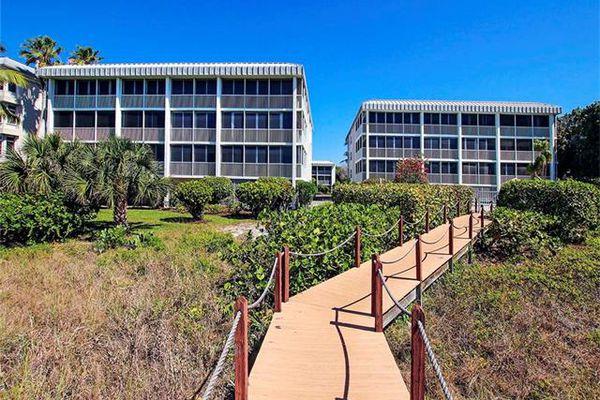 High Tide Condominiums