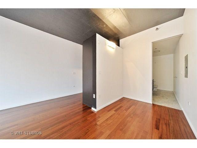 550 N St Clair Street 1503