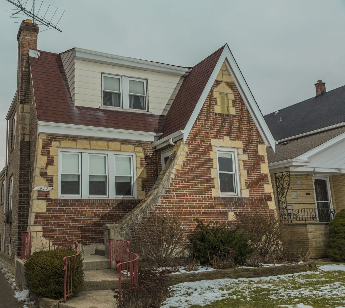 7417 W 55th Place