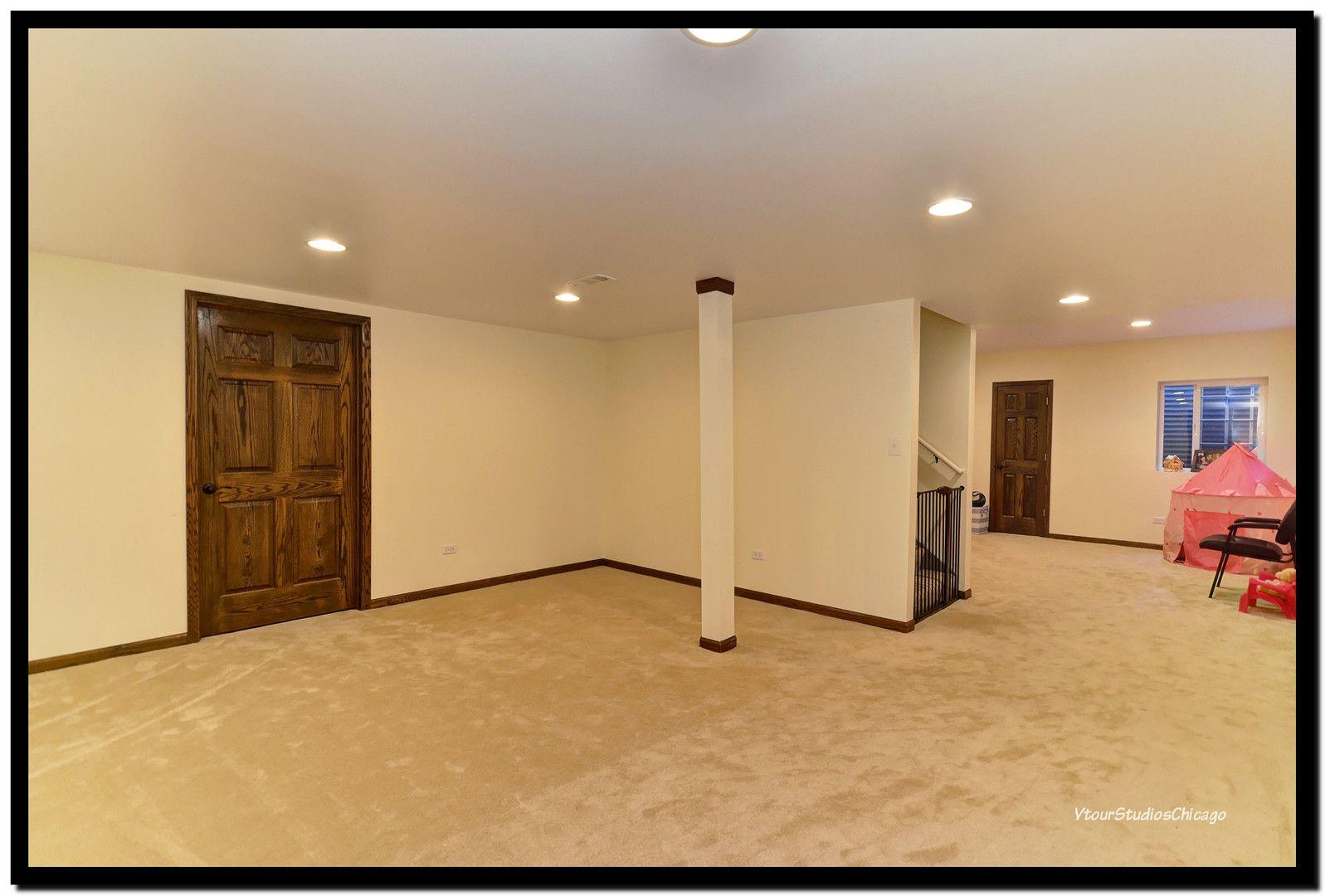 2555 Cedar Hill Lane