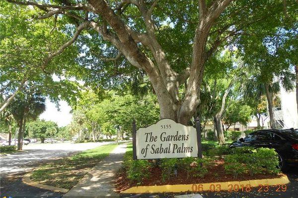 Gardens Of Sabal Palms