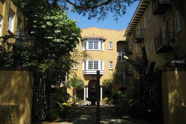 Melrose Landing Condominiums