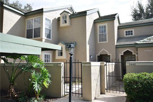 Barclay Place Condominiums