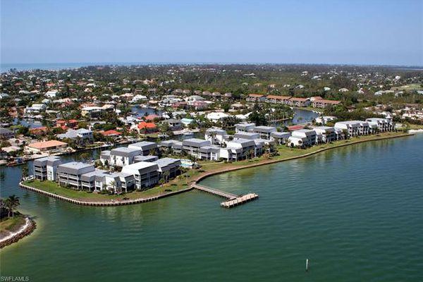 Mariner Pointe Condominiums