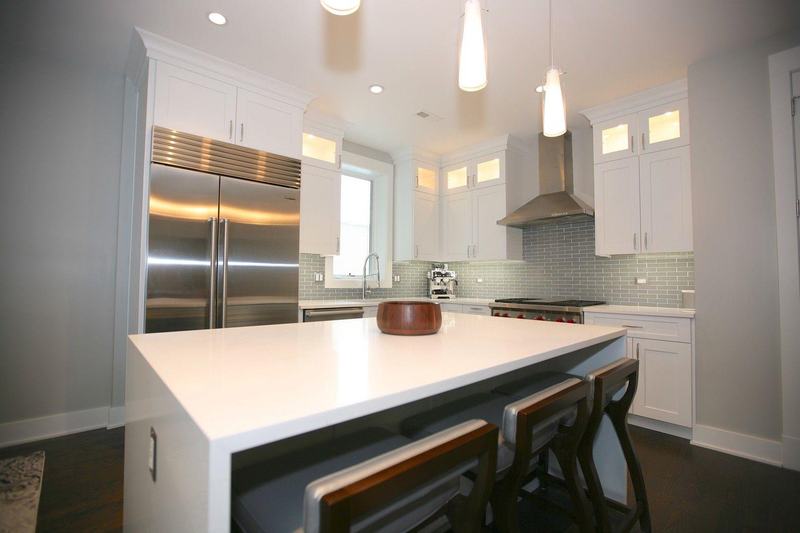 647 W Aldine Avenue 2W