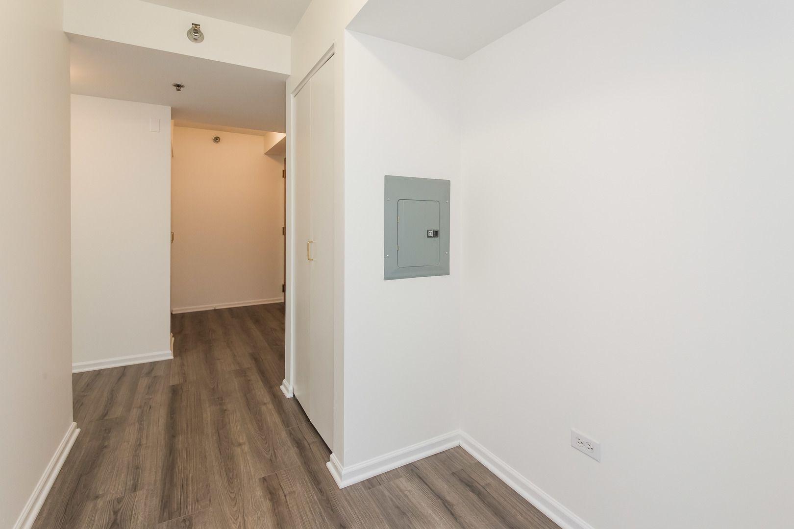 345 N La Salle Street 1410