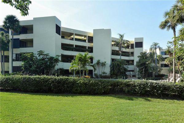 Longboat Cove Condominiums