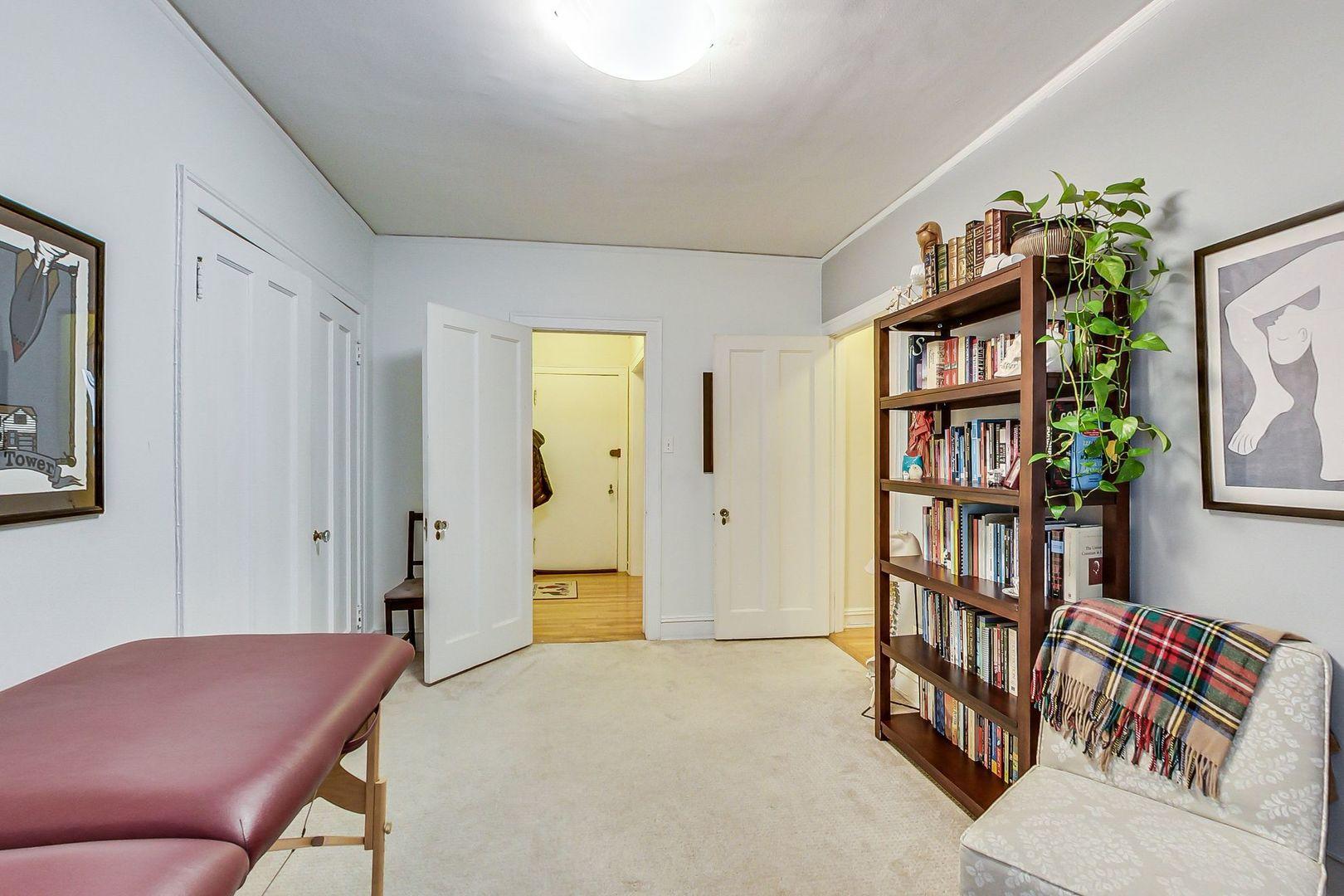 3604 N Pine Grove Avenue 2G