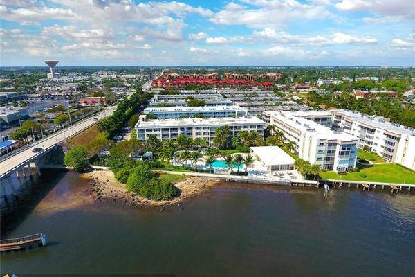 Bermuda Cay Condominiums