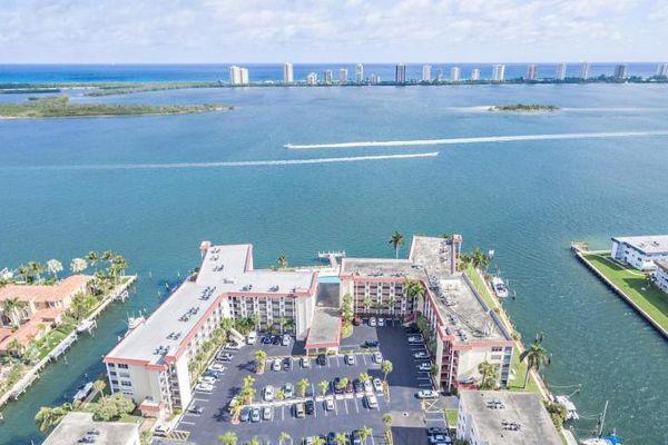Paradise Harbour Condominiums