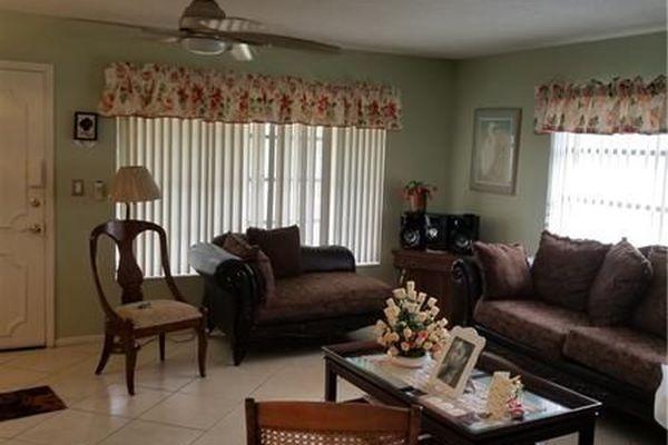 Lauderdale Oaks Condominiums