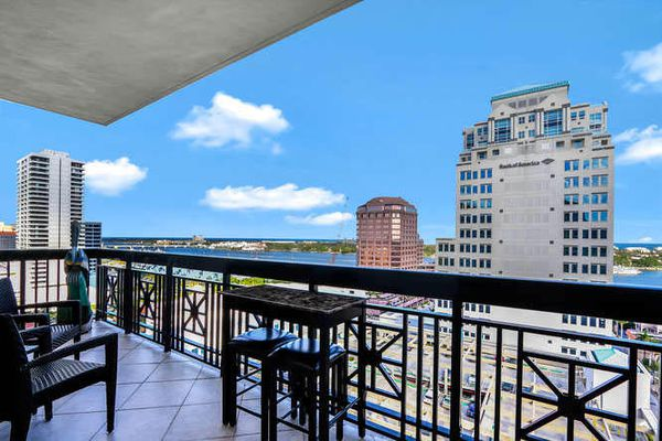 One City Plaza Condominiums