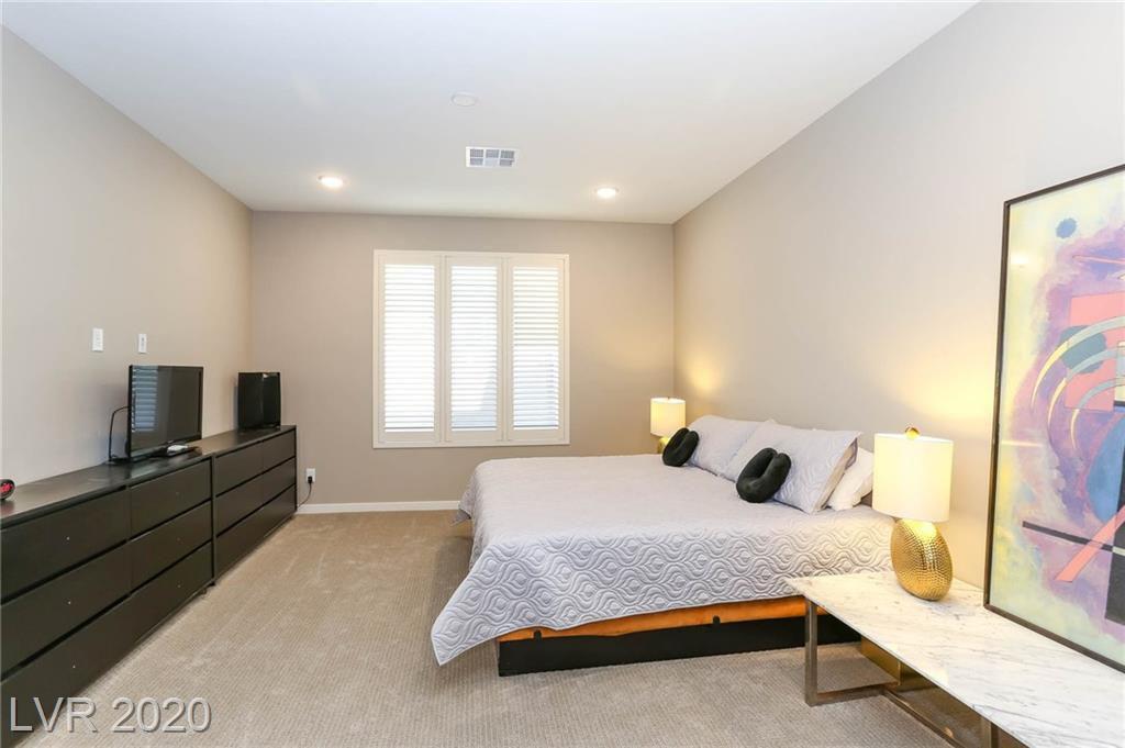 4303 Sunrise Flats Street