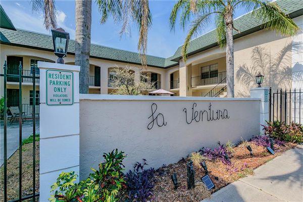 La Ventura Condominiums