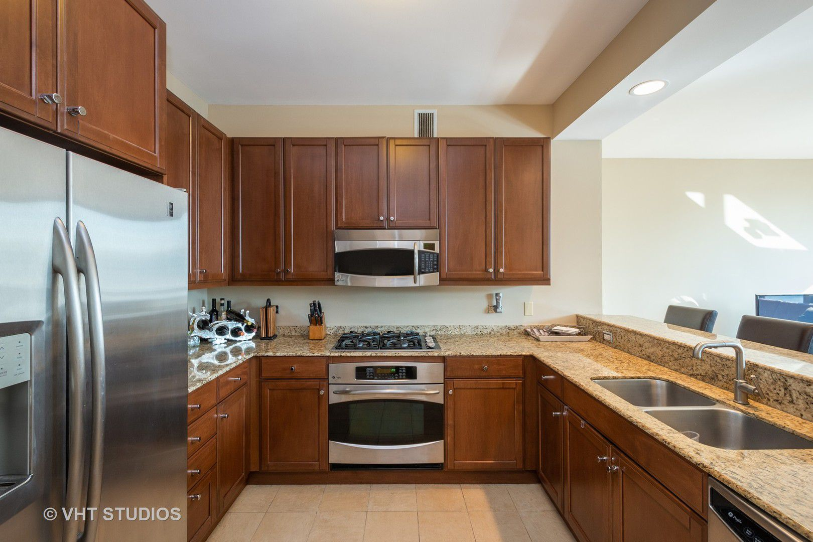 600 N Lake Shore Drive 3902