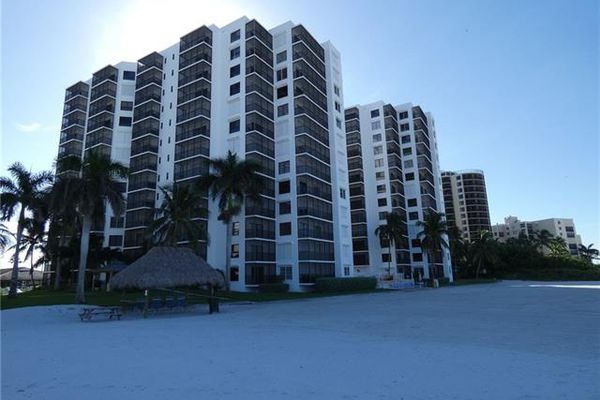 Island Winds Condominiums