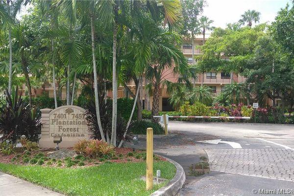 Plantation Forest Condominiums