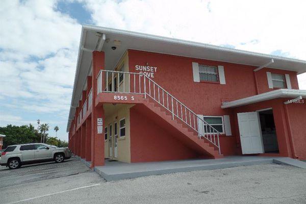 Sunset Cove Condominiums