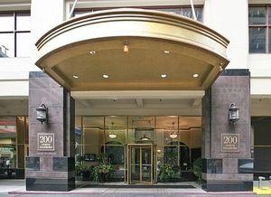 200 N Dearborn Street 3807