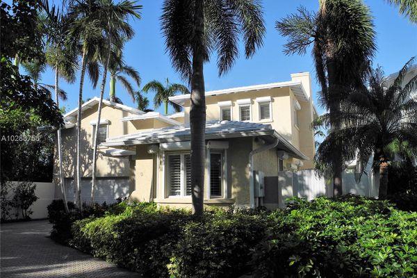 Grand Bay Villas