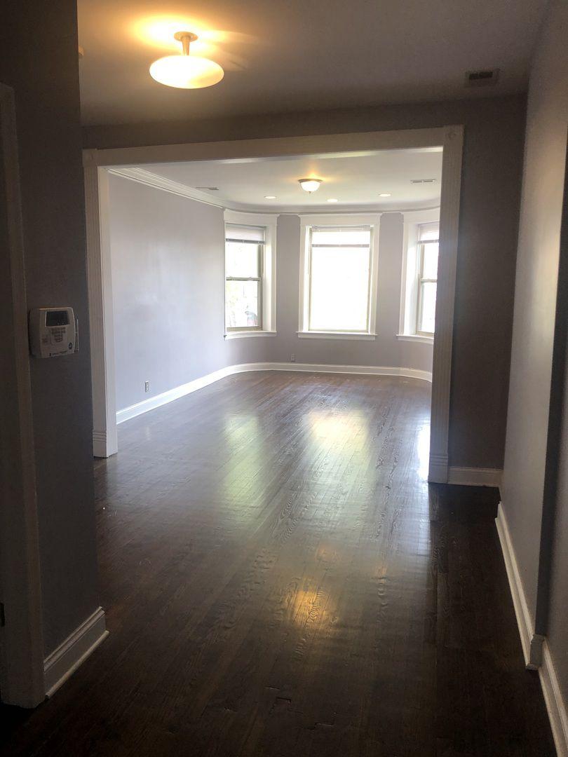 4810 S Prairie Avenue 2S